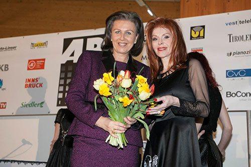 Patrizia Zoller Frischauf e Johanna Penz dopo il discorso di apertura - biancoscuro rivista d'arte