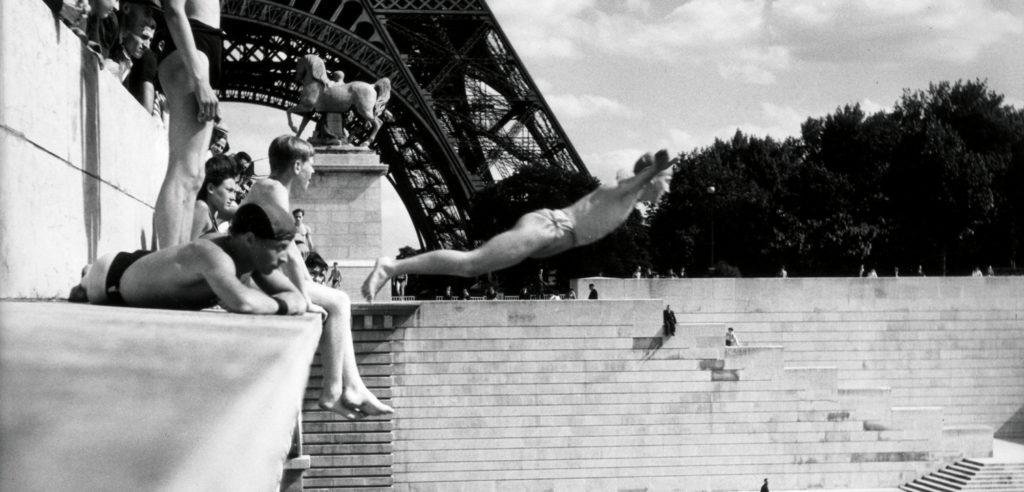 Le plongeur du Pont d'Iena, Paris 1945 HD Photographies © Atelier Robert Doisneau