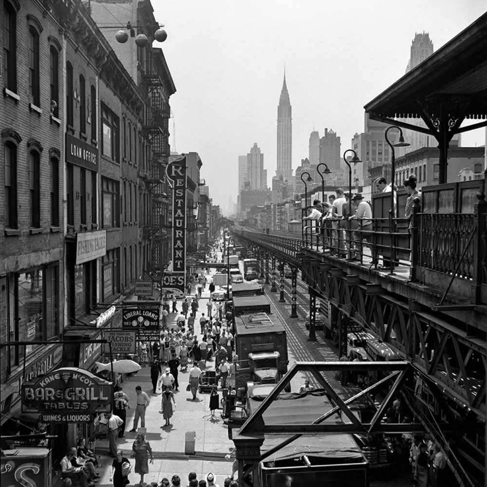 Vivian Maier - New York, 1953 40x50 cm. (16x20 inch.) Framed 53,2x63,4 cm. ©Estate of Vivian Maier Courtesy of Maloof Collection and Howard Greenberg Gallery, NY